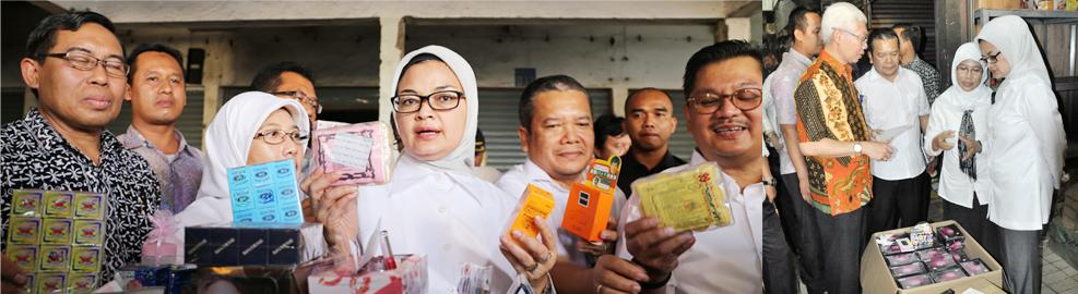 Peninjauan Temuan Kosmetik Tanpa Izin Edar Senilai Rp 7 Milyar di Pasar ASEMKA, Jakarta - 20 September 2016