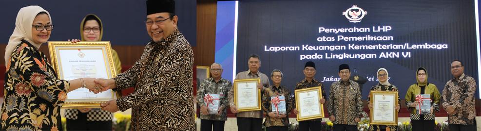 Badan POM mendapat predikat Wajar Tanpa Pengecualian (WTP) atas Laporan Keuangan Kementerian/Lembaga tahun 2016, Jakarta - Selasa, 23 Mei 2017